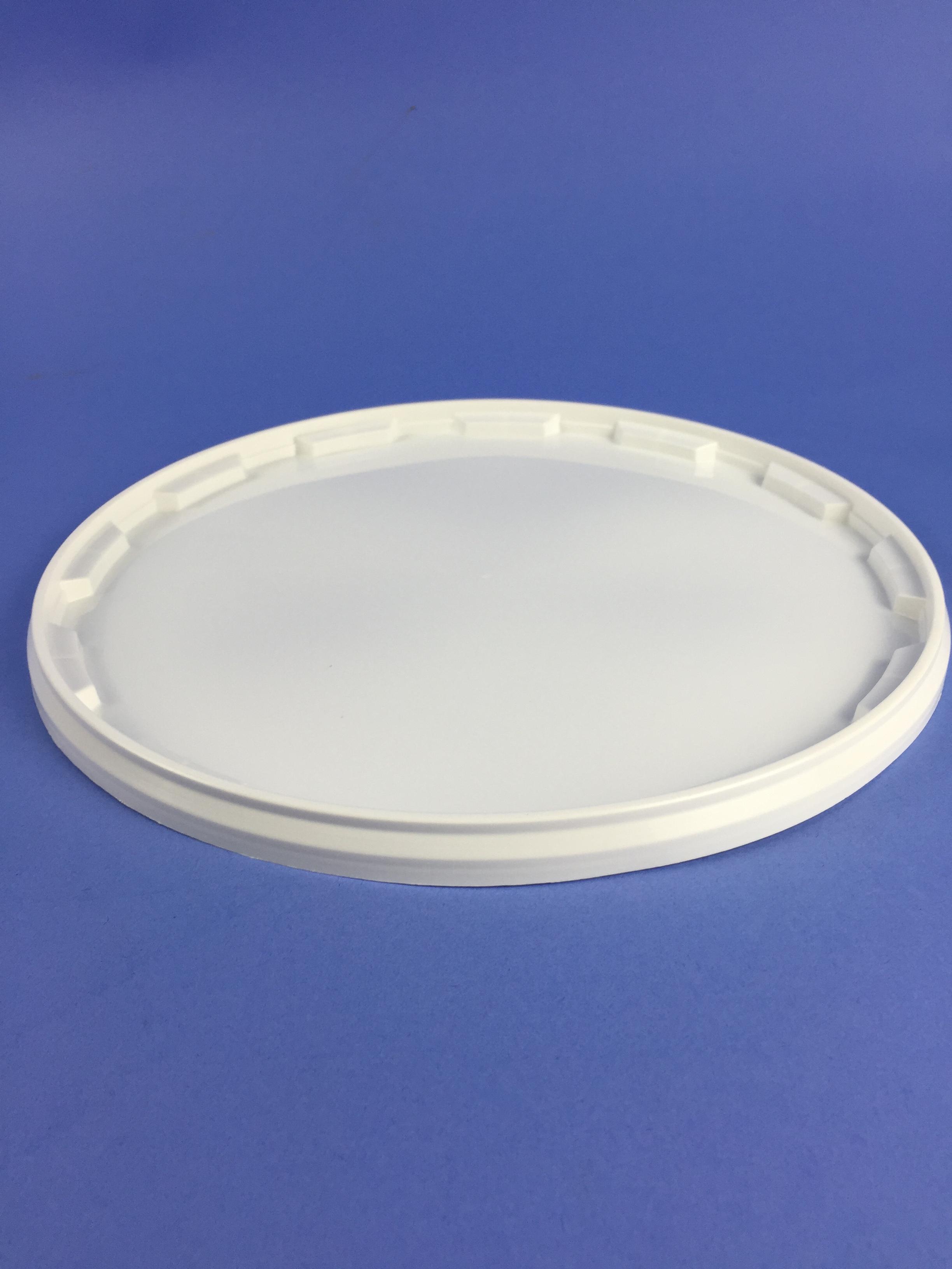 White 11 Litre Bucket C W Plastic Handle Amp Tamper Evident