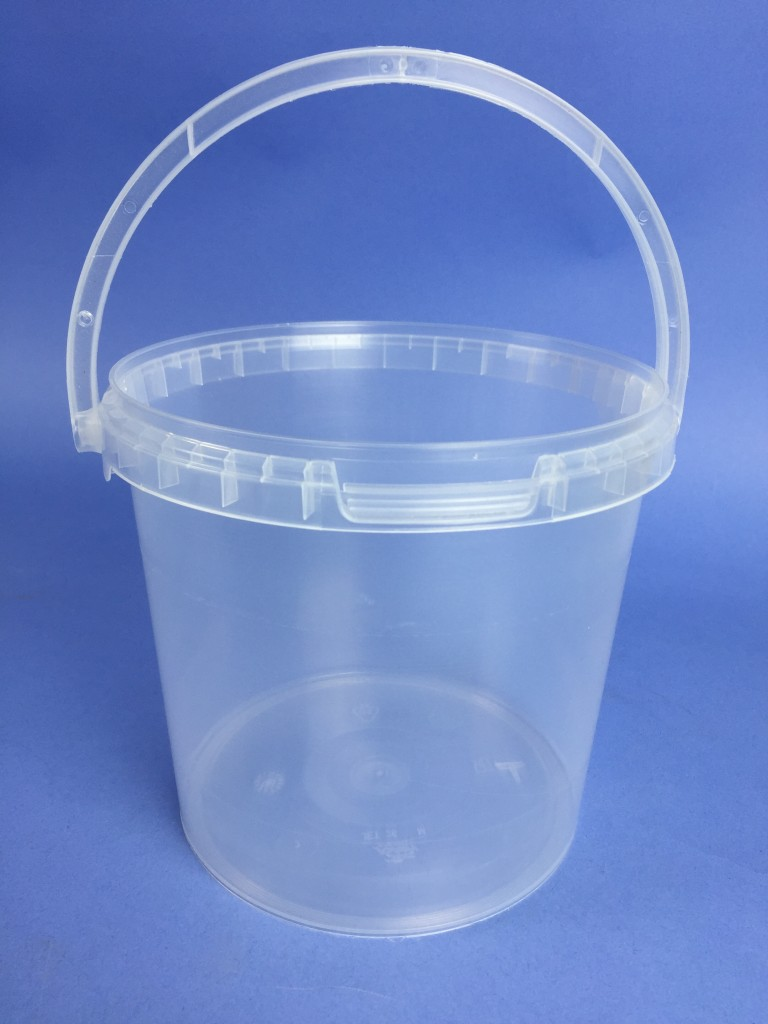 Clear 2 6 Litre Round Bucket C W Plastic Handle Amp Tamper
