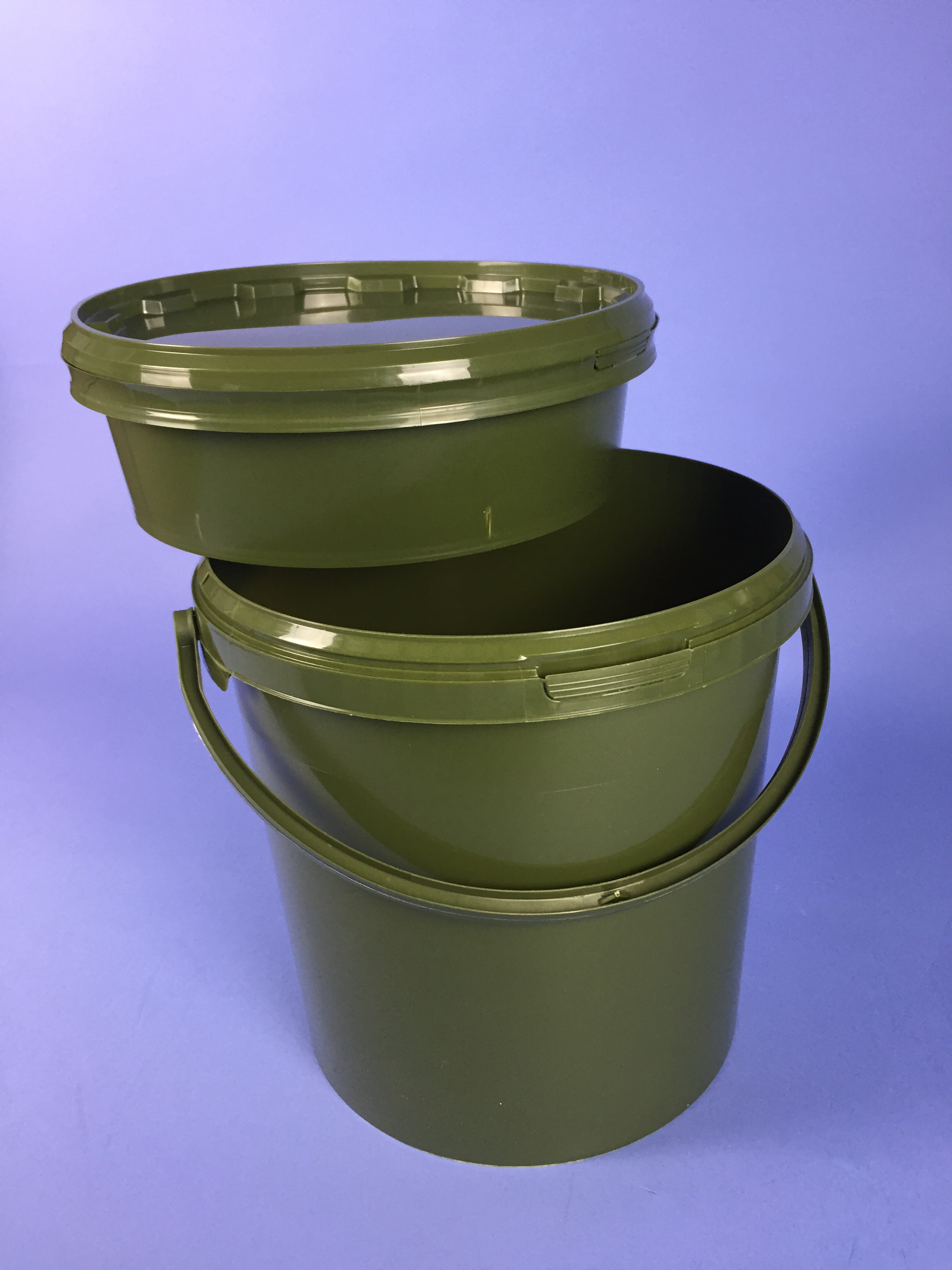 Olive Green 10 7 Litre Bucket C W Plastic Handle Amp Tamper